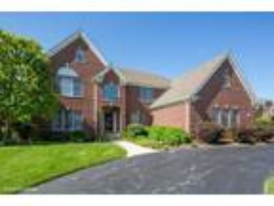 Lake%20In%20The%20Hills Five BR Four BA, 1011 Mason Lane Lake In The