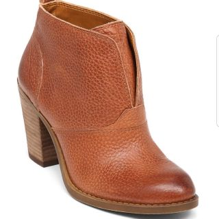 Ehllen Toffee Cornelian Lucky Brand ankle bootie size 6M