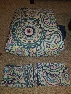 Bohemian Queen comforter with 2 shams..great condition