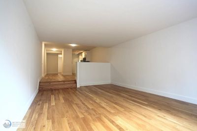 No Fee Large Studio in Great Location