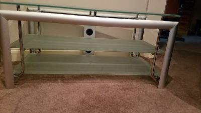 HEAVY DUTY GLASS T.V./ ENTERTAINMENT TABLE