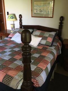 Antique bed queen size