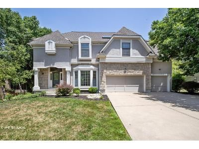 4 Bed 4 Bath Foreclosure Property in Overland Park, KS 66221 - W 148th St