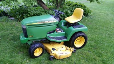 John Deere 345 LAWN TRACTOR only 889Hrs!