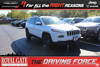 2018 Jeep Cherokee Latitude (Bright White Clearcoat)