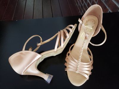 Lady's Ballroom Dance Shoes