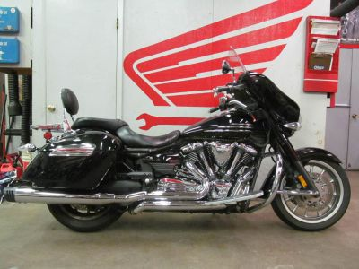 2010 Yamaha Stratoliner Deluxe Cruiser Motorcycles Crystal Lake, IL