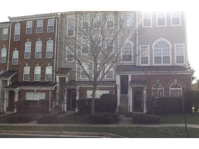 3 Bed 2 Bath Preforeclosure Property in Woodbridge, VA 22192 - Anchorstone Dr
