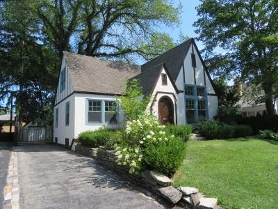 3 Bed 3 Bath Foreclosure Property in Lake Forest, IL 60045 - S June Ter