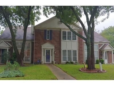 3 Bed 2.0 Bath Preforeclosure Property in Arlington, TX 76014 - Beach Ln