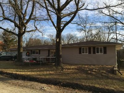 2 Bath Preforeclosure Property in De Soto, MO 63020 - Alta Dr