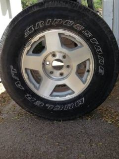Chevrolet Z71 rims and tires