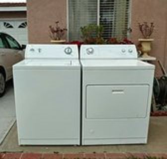Whirlpool washer and gas dryer set