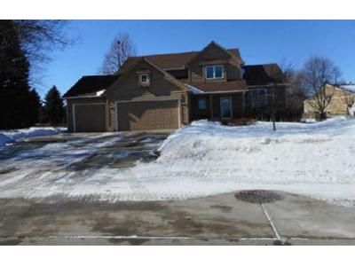 3 Bed 2.5 Bath Foreclosure Property in Sioux Falls, SD 57103 - E Ironwood Cir