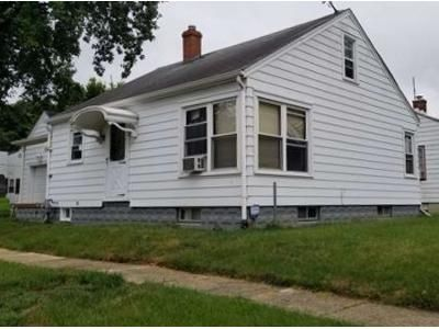 2 Bed 1 Bath Foreclosure Property in Piqua, OH 45356 - Maple St