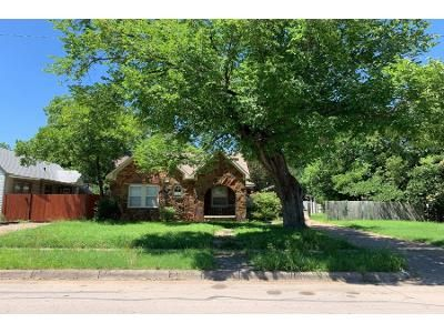 3 Bed 2.0 Bath Preforeclosure Property in Fort Worth, TX 76111 - Westbrook Ave # 1