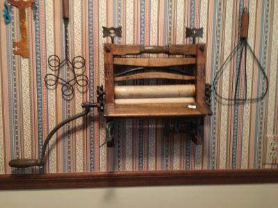 Antique wash wringer