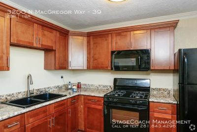 50% off first months rent! Beautiful 2 bed 1 bath apartment just minutes from downtown, UH, and the medical center