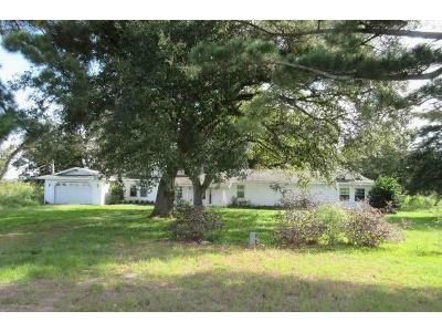 3 Bed 2.5 Bath Foreclosure Property in Monroe, LA 71203 - Mcquiller Rd