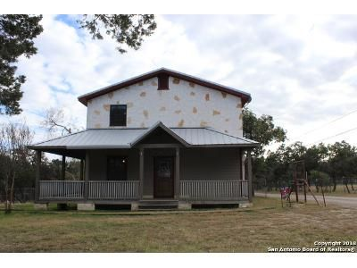 5 Bed 2 Bath Foreclosure Property in Pipe Creek, TX 78063 - Prospect Hill Rd