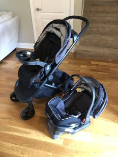 New with tags** Stroller and car seat with base