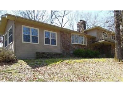 3 Bed 2.5 Bath Foreclosure Property in Searcy, AR 72143 - Valley Dr