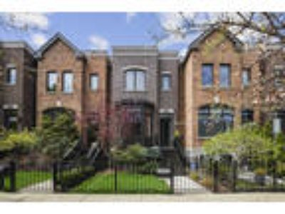 Chicago Four BR One BA, 2606 North Paulina Street