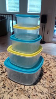 Nested Square Food Storage Containers (5 bowls with 5 lids)