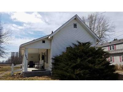 2 Bed 1 Bath Foreclosure Property in Tipton, IN 46072 - N Main St