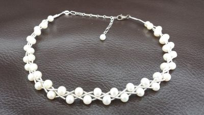 Beautiful vintage sterling silver wire and fresh water pearl choker necklace.