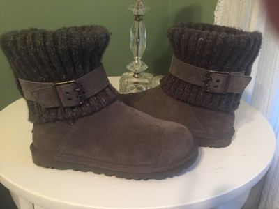 UGG boots gray. Wore only twice