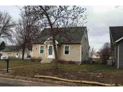 3 Bed 1 Bath Foreclosure Property in Winona, MN 55987 - W 8th St