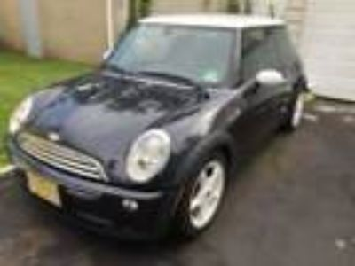 2005 Mini Cooper Base 2005 Mini Copper Coupe 1.6L