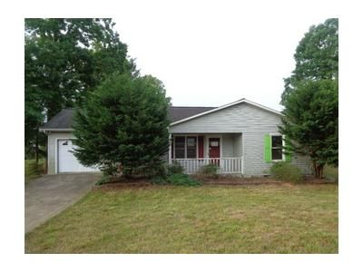 3 Bed 1.1 Bath Foreclosure Property in Lenoir, NC 28645 - Calico Rd
