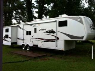 2007 Keystone Everest 37 5th-wheel Travel Trailer