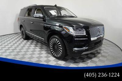 2018 Lincoln Navigator (Black Velvet)