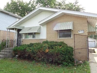 3 Bed 3 Bath Foreclosure Property in Harvey, IL 60426 - Wood St