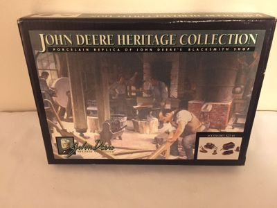 John Deere Heritage Collection Yard Accessory Kit #1 NEW