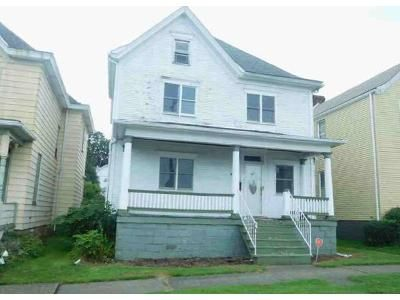 4 Bed 1 Bath Foreclosure Property in Greensburg, PA 15601 - Chestnut St