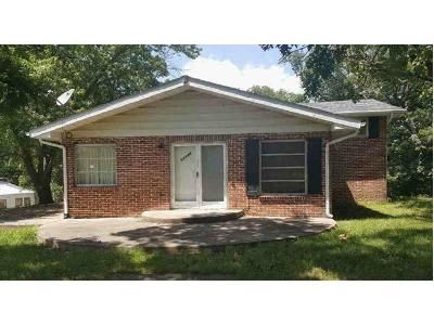 4 Bed 1.5 Bath Foreclosure Property in Sainte Genevieve, MO 63670 - Us Highway 61