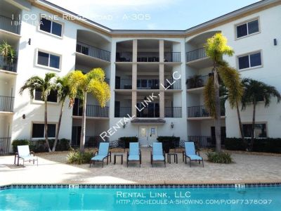 Naples Upgraded Condo For Rent