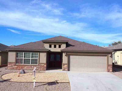 361 Palo Duro Alamogordo Four BR, GRACIOUS LIVING w/ this 2136