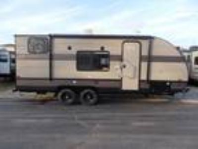 2018 Forest River Wildwood X-Lite 190DBXL