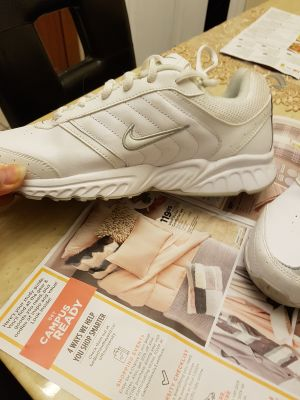 New Nike Air All White runners mens size 8 $40!!
