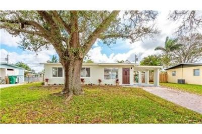 3 bedrooms House - Completely remodeled 3 bed/2 Bath home in Davie. Washer/Dryer Hookups!