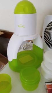 Ice shaver machine with 4 containers