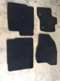 2013 Ford Explorer xlt factory oem floor mats like new
