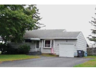 3 Bed 1 Bath Foreclosure Property in Albany, NY 12211 - Krug Ct