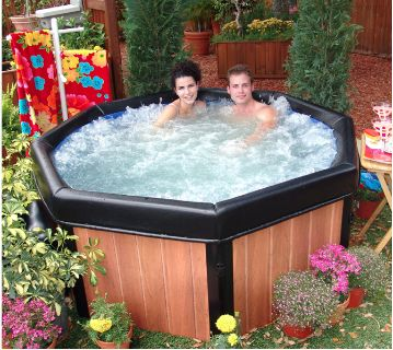 Brand New Spa Hot Tub Jacuzzi and Brand New Filters/Solutions