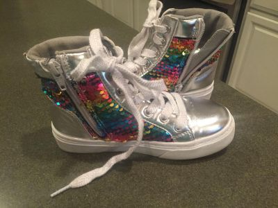 SO brand size 13 girls high top sequin shoes